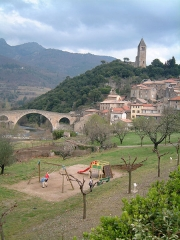 Pont du Diable - English: Devil's Bridge and tower at Olargues, Hérault