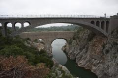 Pont sur l'Hérault, dit Pont du diable - English:  The Devil's Bridge, upstream the bridge of the road to Aniane.