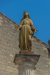 Eglise Saint-Saturnin - English: Statue near the Saint Saturnin Church of Tourbes, Hérault, France