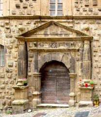 Hôtel dit Maison de la Congrégation de la Présentation de Bourg Saint-Andéol -  Florac (Lozère) - Porte des Templiers - Ancien couvent