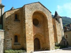 Eglise Saint-Pierre Saint-Paul -  Eglise d'Ispagnac en Lozère (vue frontale)