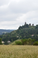Ruines du château - English: The town of Luc, in Lozère, Occitanie, France.