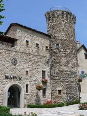 Remparts - Français:   Le Malzieu-Ville - La mairie et la tour de Bodon