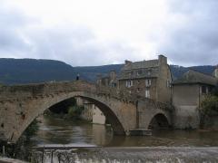 Pont Notre-Dame -  Mende est le chef-lieu du département de la Lozère. Cette ville est très riche en trésors architecturaux.