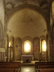 Eglise Saint-Pierre - English:   Prévenchères (Lozère, Fr) church interior.