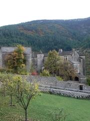 Château de Prades - Français:   Le château de Prades sur la commune de Sainte-Enimie en Lozère (France)