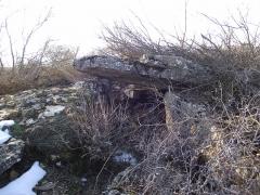 Site mégalithique du plateau de Poujoulet (également sur commune de Montrodat) - Français:   Le dolmen du plateau du Poujoulet non loin de Marvejols (Lozère)