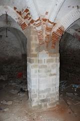 Hameau du Taxo d'Avall - Français:   Taxo d\'Avall - église - pilier