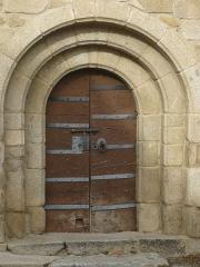 Eglise Saint-Julien - Français:   Portail de l\'église Saint-Julien d\'Estavar