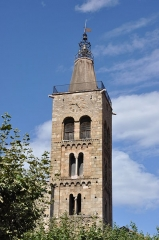Eglise Saint-Pierre -  Prada. Parish Church. Bell tower. 12th C. Top added in 1852 en.wikipedia.org/wiki/Prades,_Pyr%C3%A9n%C3%A9es-Orientales