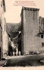 Ancien hôpital - Català: Vilafranca de Conflent - Antic Hospital Militar (postal antiga)