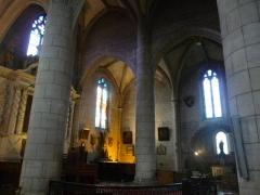 Eglise Saint-André - Français:   intérieur de l\'église Saint-André, Angoulême, France