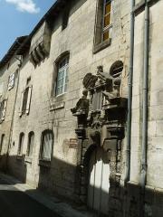 Immeuble - Français:   Ancienne porte du couvent des Carmes, Angoulême (16), France