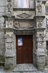 Maison dite Maison Saint-Simon - Français:   lors du 44e festival international de la Bande Dessinée.