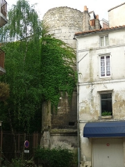Remparts - English: Former city wall around Angoulême castle, 17th century, France