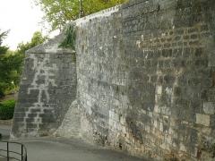 Remparts - English: City wall of Beaulieu, Angoulême (Charente, SW France)
