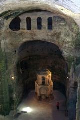 Eglise souterraine monolithe Saint-Jean - Français:   Église souterraine monolithe Saint-Jean d\'Aubeterre-sur-Dronne. XIe siècle.