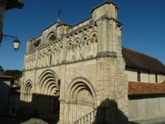 Eglise Saint-Jacques - English: St James's church at Aubeterre-sur-Dronne, Charente, SW France