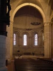 Eglise Saint-Mathias - Français:   Choeur de l\'église de Barbezieux