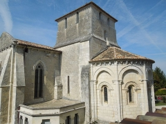 Eglise Saint-Pardoux - English: Barret, Église Saint-Pardoux, apse and belltower viewed from southeast