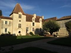 Château - Français:   Etat de restauration 2016. À droite de la photo la galerie Renaissance