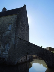Château du Breuil - Deutsch: Château du Breuil bei Bonneuil, Westseite mit Wassergraben