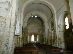 Eglise Saint-Nicolas - English: Inside of the church of Cellefrouin, Charente, France