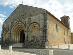 Eglise Saint-Martial - English: St-Martial church, Chalais, Charente, SW France