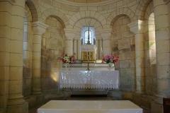 Eglise Saint-Christophe - Français:   Autel de l\'église Saint-Christophe, Champagne-Vigny, Charente, France.