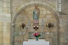 Eglise Saint-Christophe - Français:   Vierge et ex-voto dans l\'église Saint-Christophe de Champagne-Vigny, Charente, France.