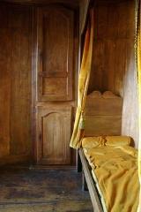 Logis du Maine-Giraud -  Cabinet de travail d'Alfred de Vigny (vu depuis la porte d'accès), haut de la tour centrale du Maine-Giraud, Champagne-Vigny, Charente, France.