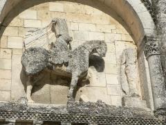 Eglise Saint-Pierre -  Statue de Constantin, église de Châteauneuf-sur-Charente