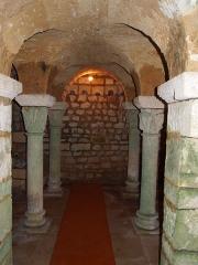 Eglise Saint-Georges de Richemont - Français:   Crypte du XIe siècle de l\'église Saint-Georges de Richemont à Cherves-Richemont