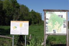 Eglise de Rozet ou de Rauzet - Français:   Panneaux d\'information devant l\'église de Rauzet, commune de Combiers, Charente, France.
