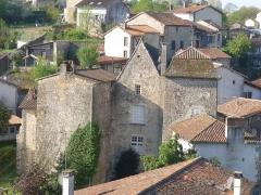Manoir des Comtes - Français:   Manoir des comtes de Confolens vu de Ste-Madeleine