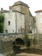 Pont sur le Goire - Français:   Le Goire, Confolens (Charente, France)