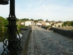 Vieux Pont - Français:   Pont-Vieux, Confolens (Charente, France)