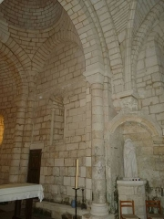 Eglise Saint-Martial - English: inside of church of Dirac, Charente, SW France