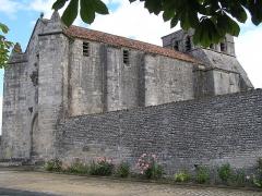 Eglise Saint-Maurice - Français:   église fortifiée d\'Échallat, Charente, France