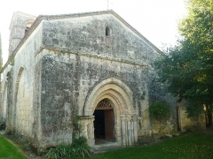 Eglise Saint-Pierre - English: church of Edon, Charente, SW France