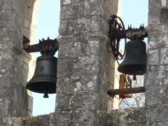 Eglise Saint-Pierre - Français:   cloches de l\'église de Feuillade, Charente, France