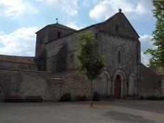 Eglise Saint-Pierre - English: Church of Fléac - Charente - France - Europe