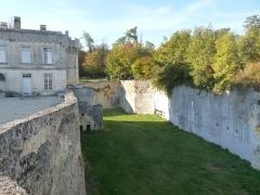 Château de la Tranchade - Français:   Château de la Tranchade, Garat, Charente, France. Ancienne douve sèche