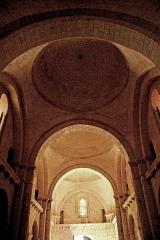 Eglise Saint-Martin - Deutsch: Genzac-la-Pallue, Schiff, aus 4. Joch nach hinten, Wehrgänge