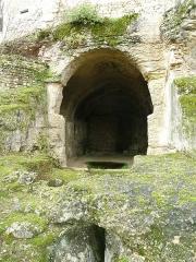 Eglise souterraine monolithe dite chapelle Saint-Georges - English: church cave at Gurat, Charente, SW France