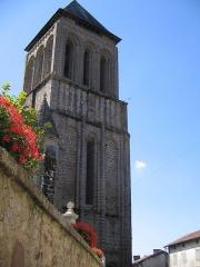 Eglise Saint-Pierre -  le clocher de LESTERPS (16) en 2006
