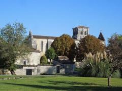Eglise Notre-Dame-de-Lignières - Deutsch: Die Pfarrkirche Notre-Dame in Lignières-Sonneville