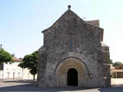 Eglise Saint-Gervais-Saint-Protais - Français:   église de Marsac, Charente, France