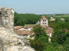 Eglise Saint-Martin - Français:   L\'église vue du donjon de Marthon, Charente, France; au loin l\'église de St-Germain-de-Montbron