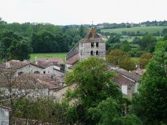 Eglise Saint-Martin - Français:   Vue générale du faubourg Saint-Martin et de l\'église qsaint-Martin, Marthon, Charente, France